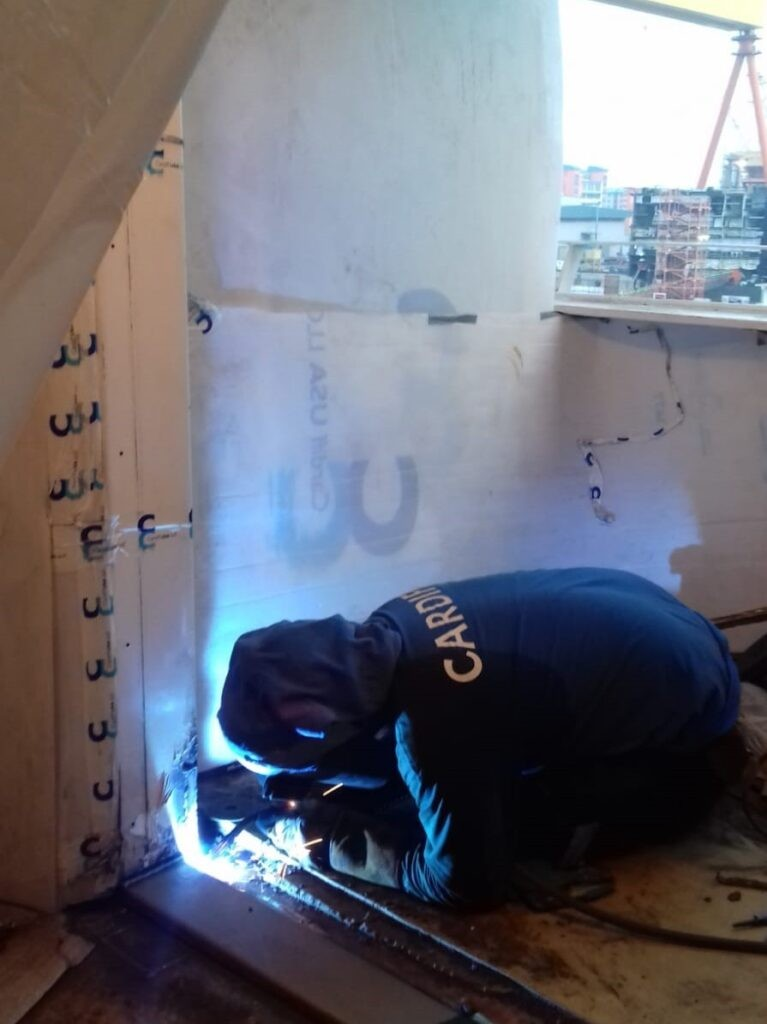 Balcony welder